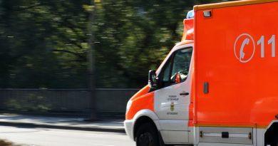 Verkehrsunfall mit sechs schwerverletzten Personen- Frontalzusammenstoß