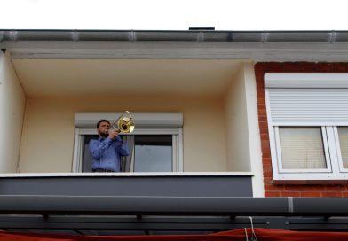 """Auferstehungsbotschaft in die Welt posaunen – Auf den ZDF-Fernsehgottesdienst folgt """"Ostern vom Balkon"""""""